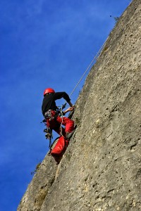 How to Handle 3 Potential Mountain Climbing Emergencies